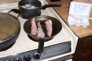 Bacon getting ready for a good ol\' frying